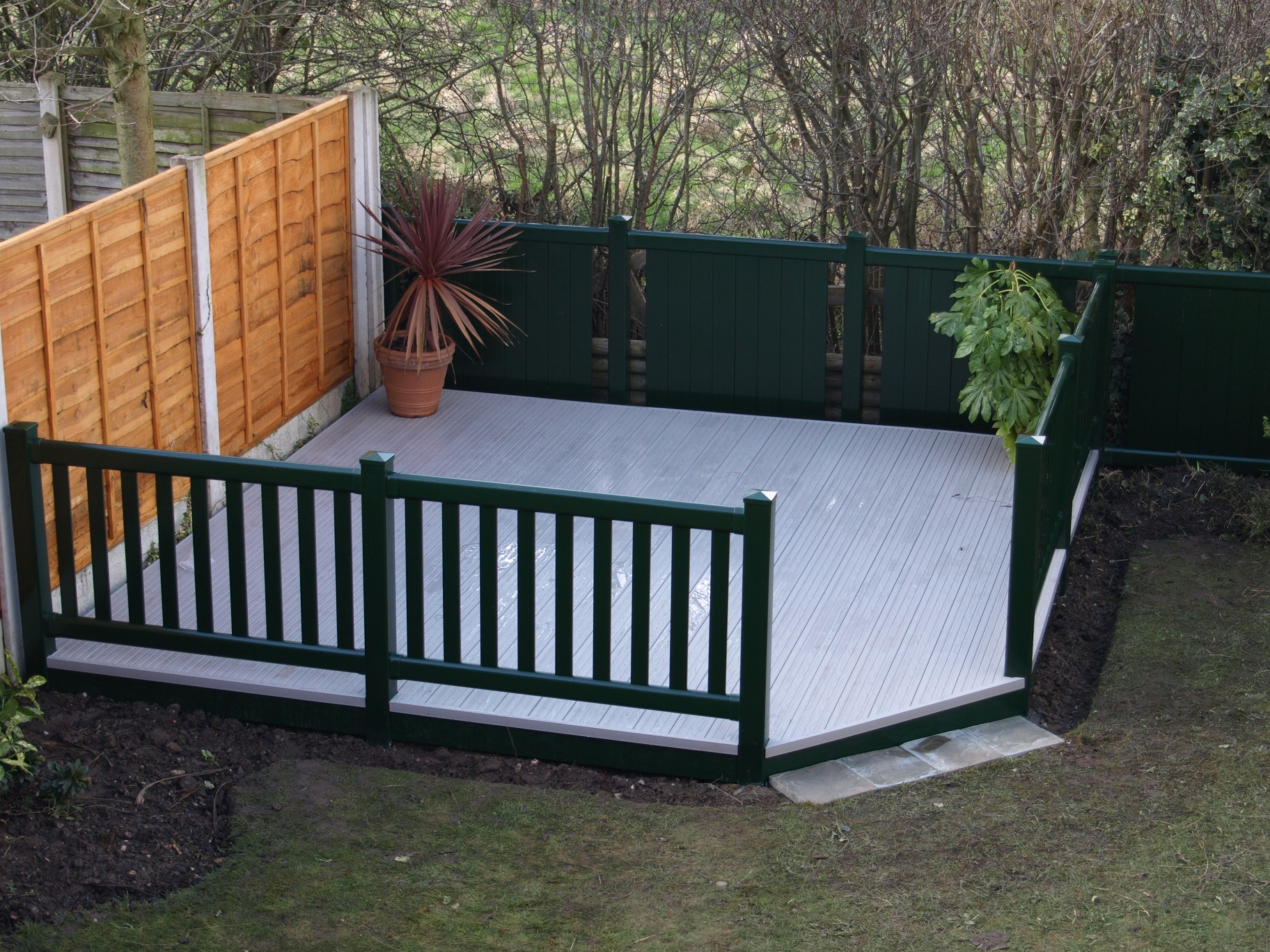 Sundeck designs fensys for Garden decking squares