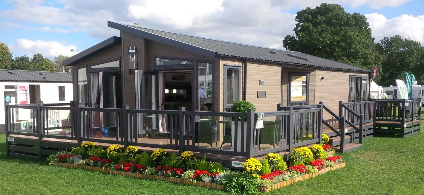 uPVC Decking and Skirting Gallery   Fensys