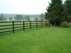 Field boundary plastic ranch fence