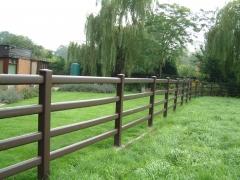 Rustic Oak Field boundary plastic ranch fence