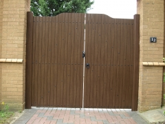 Fensys suppliers UPVC plastic drivewway gate with nylon rivets