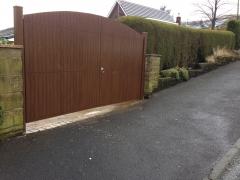 plastic driveway gate rustic oak.JPG