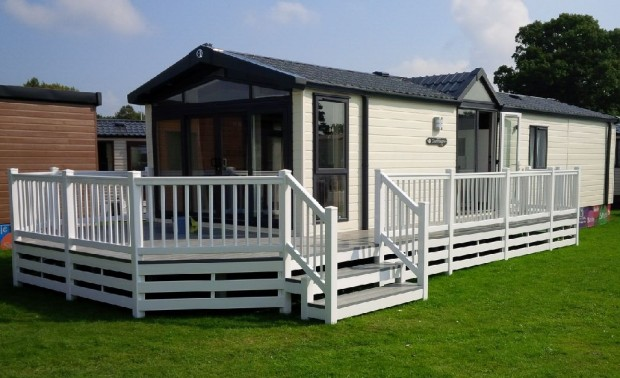 Fensys white and drift plastic caravan decking