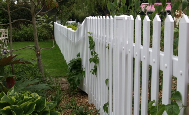 Picket fencing 2